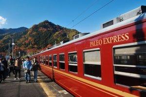 Aventura pelo espetacular cenário natural no Chichibu Paleo Express