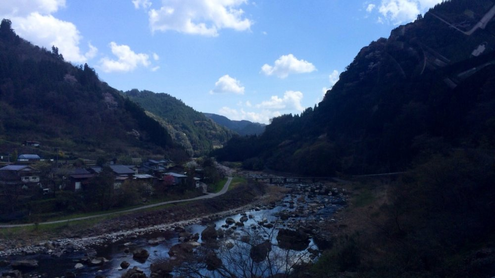 On the way to the hot spring village