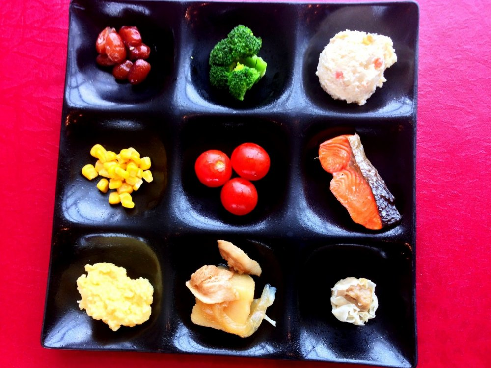 Wake up with a fresh selection of vegetables, fish and fruit at the Kitahiroshima Classe Hotel
