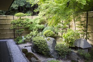 View of the private garden of the largest Saikyotei room