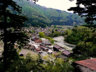 View over the town of Shirakawago.