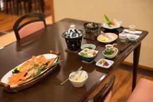 Variety of kaiseki dishes