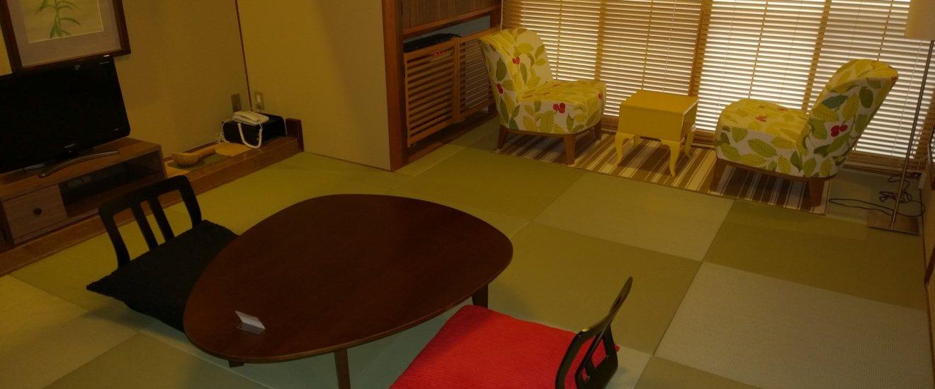 Une chambre de style japonais, le soir elle devient une chambre à coucher