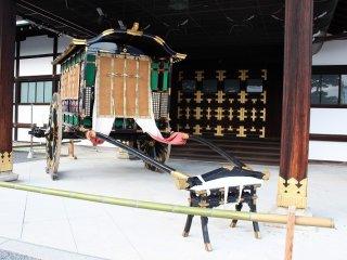 بُني شينميكورومايوسي بمناسبة حفل تتويج للإمبراطور [تيشو] في 1915.