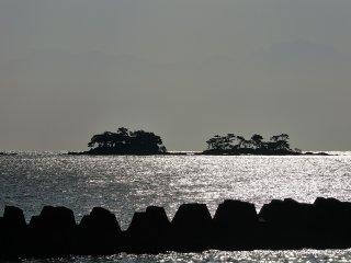 J'ai conduit le long de la R160 dans la péninsule de Noto en direction de la ville de Nanao, en profitant de la vue sur la baie de Toyama à ma droite