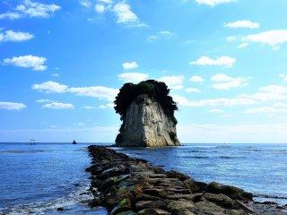 Je me demande combien d'îles au Japon sont appeléesGunkanjima (l'Ile du cuirassé)? Il n'y avait pas de vent et la mer était calme