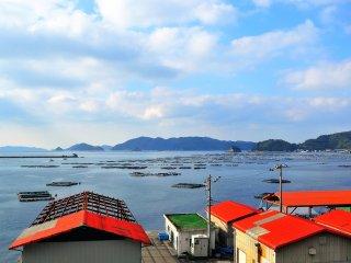 คาบสมุทรกับเวิ้งน้ำในอ่าว Uwajima