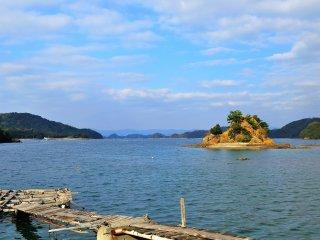 ทะเลสงบๆ เช่นนี้หาได้ยากมาก ที่นี่ลมพัดแรงในเวลาหนึ่งในสามของปี