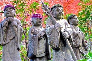 Belas Estátuas Rakan de Miyajima