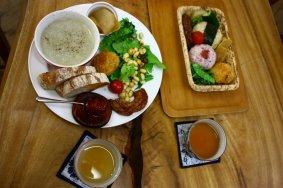 A Peaceful Café in Heiwadai Park