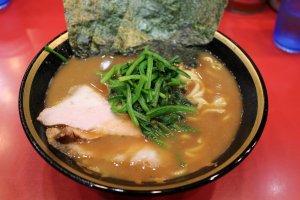 Iekei ramen at Yoshimuraya