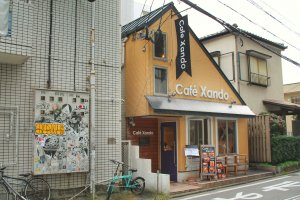 Café Xando is a cute little house in a quiet side street of Imaizumi in Tenjin