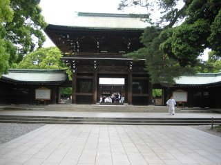 Main gate before entering the large open space where the main hall is located