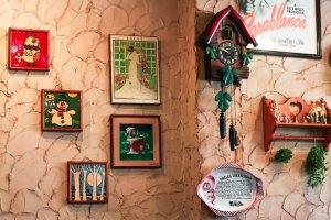Des décorations et des tableaux