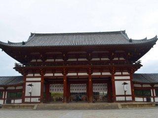 Lối vào ngôi đền Todai-ji