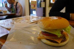 Les burgers coûtent en moyenne 500 yens