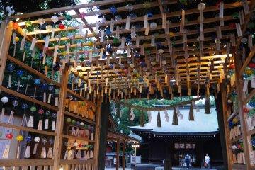 ศาลเจ้าฮิกะวะ ในเมืองคะวะโกะเอะ