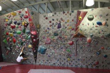 Gravity Bouldering Gym