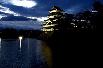 บรรยากาศรอบๆ พื้นที่ปราสาทมัตซึตโมะโตะ