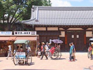 Le tour en pousse-pousse est une attraction populaire