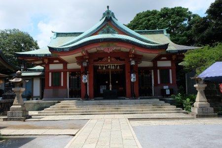 在品川神社登上仿富士山
