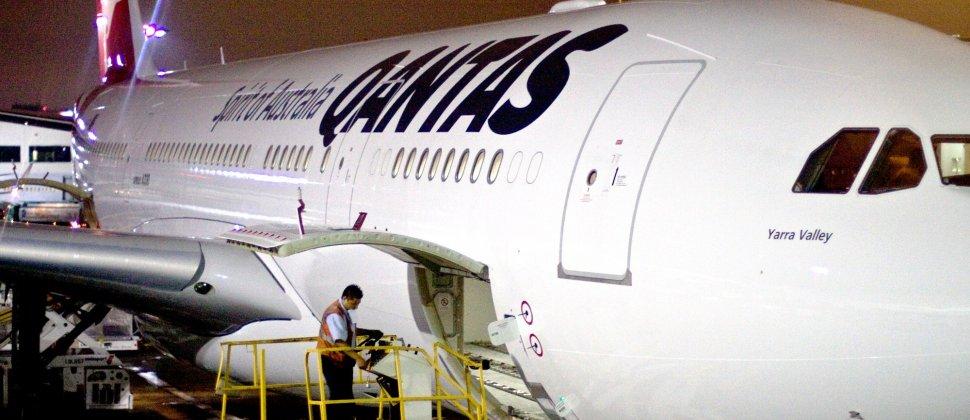 Qantas voa entre Melbourne e Narita