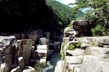 Nezame-no-toko Gorge