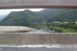 Kintai Bridge spans the Nishiki River.