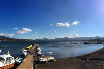 ทะเลสาบ Yamanaka ในยะมะนะชิ