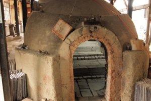 Kiln for firing Bizen-yaki