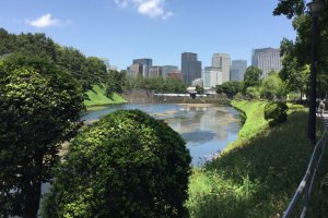 Imperial Palace running route: lots of green and the palace moat