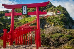 Seaside entrance to the 123 red torii