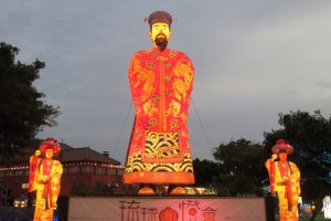 Larger than life statues of the Ryukyu King transport you to an earlier time.