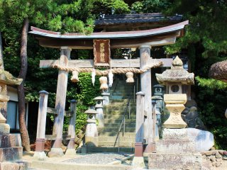 The entrance to Musashi's shrine. Located just a 10 minute walk from the center of Miyamoto no Sato