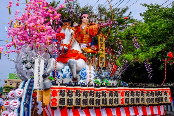 The colours and decoration of all 10 floats is incredible and best enjoyed close up before the festival starts