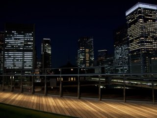 Night view of Tokyo station and the Marunouchi area. Maybe is time to go back home. Tomorrow will be a new day.