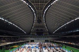 Wikimedia Commons https://commons.wikimedia.org/wiki/File:Tokyo_Metropolitan_Gymnasium_Interior.jpg