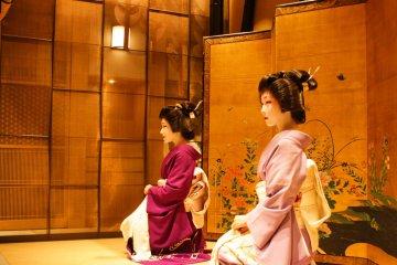 Kyoto Geisha & Their Daily Life