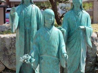 お市の方の娘たち。茶々、初、江(ごう)。両親が秀吉に攻められ自害すると彼女たち3人は秀吉の元に庇護された。茶々は秀吉の側室となり秀頼を生む。