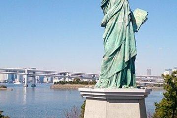 <p>台場自由女神像</p>