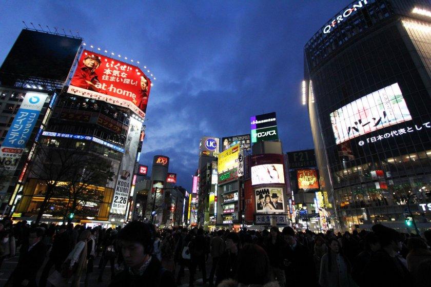 เดินข้าม 5 แยกชิบุย่า คือกิจกรรมสำคัญในโตเกียวที่นักท่องเที่ยวทุกคนไม่ควรพลาด เพราะถนนสายนี้คือโตเกียวสมัยใหม่ขนาดย่อม