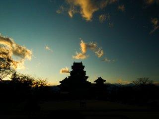 ปราสาทมัตซึโมโต้กับแสงยามเย็น