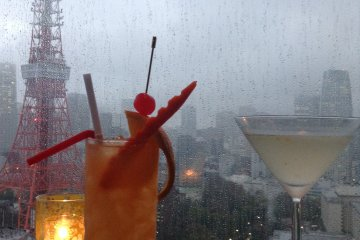 <p>The Tokyo Tower Cocktail and the Yuzu Martini, two dangerously delicious beverages at the Sky Lounge.</p>