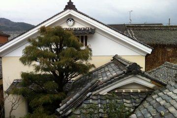 The tiled roofs surrounding the inner garden
