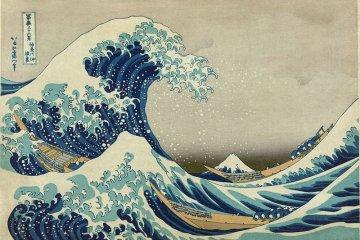 <p>&quot;The Great Wave off Kanagawa&quot;&nbsp;ผลงานภาพพิมพ์แกะไม้ที่โด่งดังที่สุด โดยฝีมือของโฮะกุไซ&nbsp;ศิลปินระดับตำนานของญี่ปุ่น&nbsp;</p>