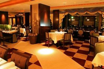 The Phoenix Hotel restaurant serves excellent food