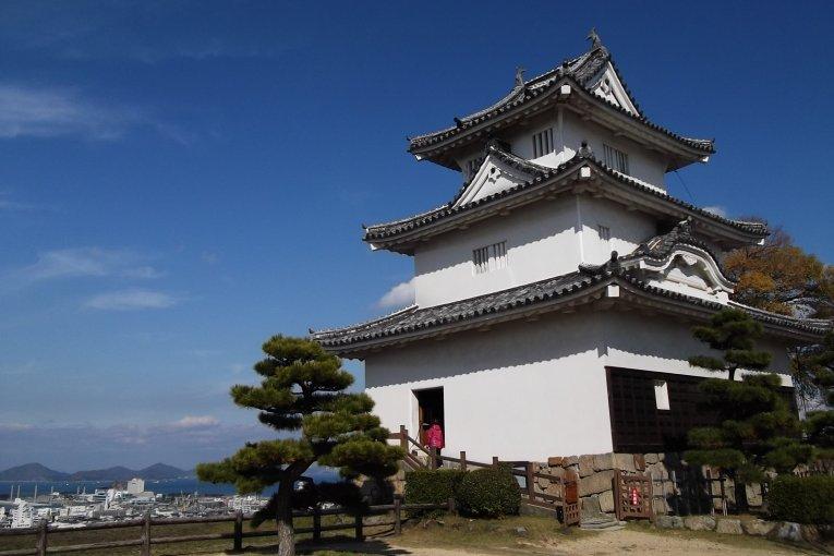 Замок Маругаме