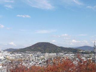 Vue sur l'ouest depuis le sommet de la colline