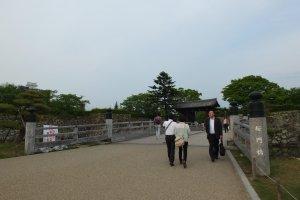 สะพานทางเดินเข้าปราสาท