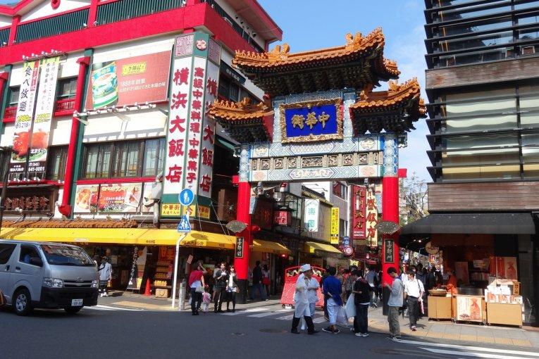 เดินไป กินไปที่โยโกฮามา ไชน่าทาวน์